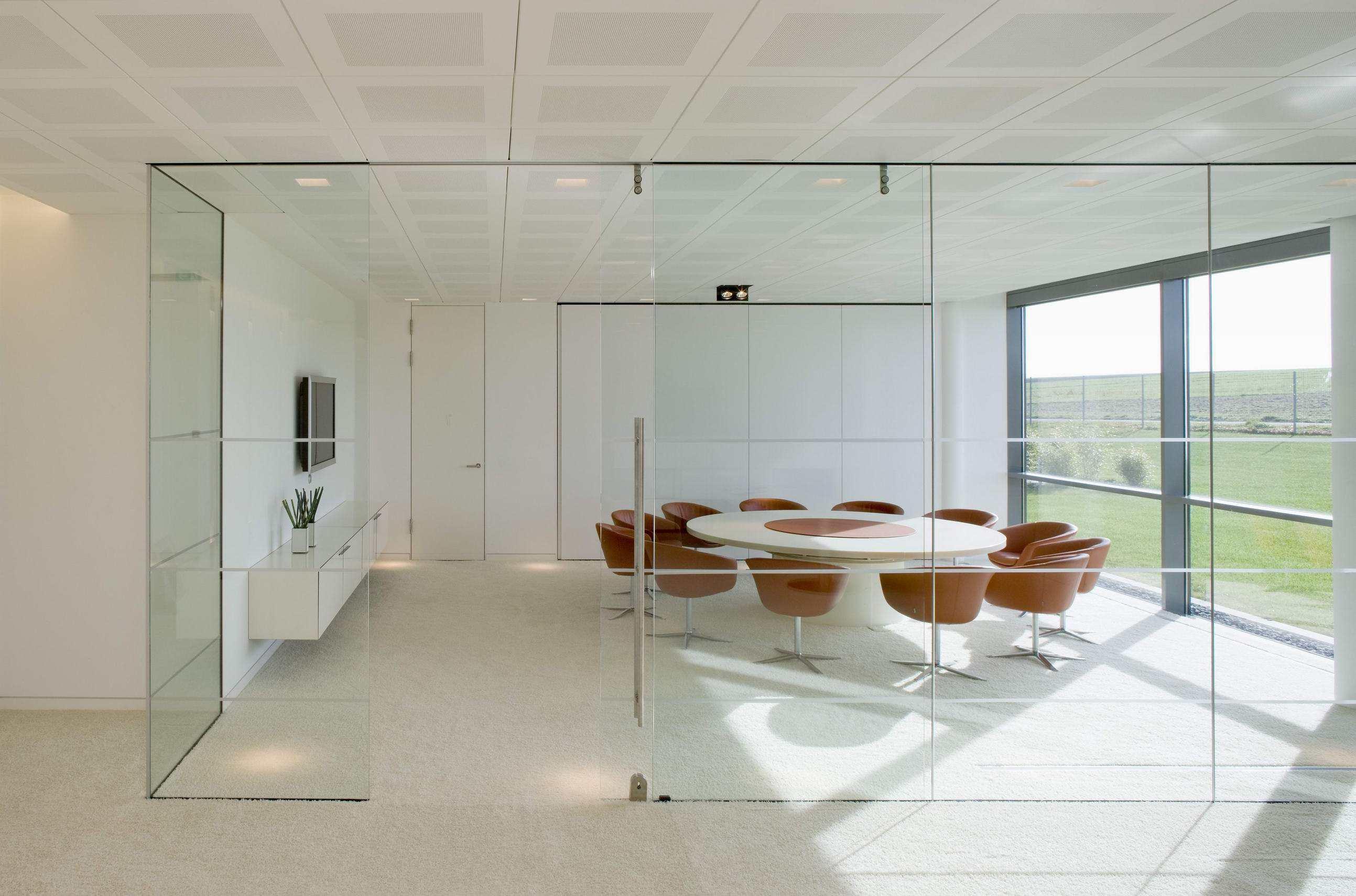 广告传媒办公室装修设计—三种常用_合肥工装公司